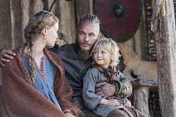 Auslaug (Sutherland) remains worried about a prophecy surrounding her husband Ragnar (Fimmel).