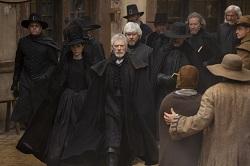 Salem-1x08-Departures-03