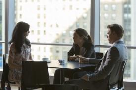 Rowan meeting with Elizabeth and Ressler (Diego Klattenhoff)