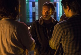 Maggie and Glenn are making a mistake. The group should always stay together.
