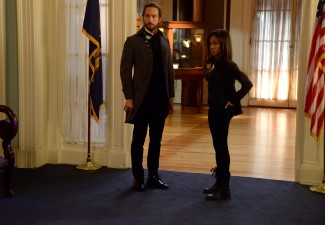 Abbie checks up on Ichabod who isn't answering his phone and gets there just in the nick of time!