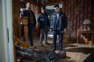 L-R: Hank, Nick, and Wu investigate a strange homicide involving a local ghost hunter.