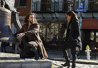 Ichabod tells Abbie an interesting story about how he cracked the Liberty Bell.