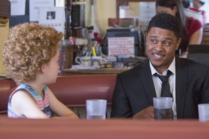 Shree Crooks as Audrey and Pooch Hall as Daryll in Ray Donovan (Season 3, Episode 02). - Photo: Michael Desmond/SHOWTIME - Photo ID: RayDonovan_302_2481.R