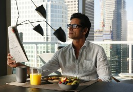 """GRANDFATHERED: John Stamos as Jimmy in the """"Pilot"""" episode of GRANDFATHERED series premier airingTuesday, Sept. 29 (8:00-8:30 PM ET/PT) on FOX. ©2015 Fox Broadcasting Co. CR: Erica Parise/FOX"""