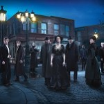 PENNY DREADFUL S2 Cast Street (featured)